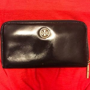 Tory Burch wallet gently used